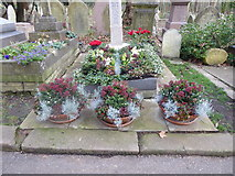 TQ2886 : A grave in Highgate Cemetery by Marathon