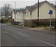 ST1494 : Blue cycle route sign, Penallta Road, Ystrad Mynach by Jaggery