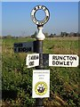 SU8700 : Old Direction Sign - Signpost by Milestone Society