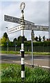 SU7138 : Old Direction Sign - Signpost by Milestone Society