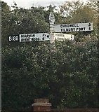 TQ6482 : Old Direction Sign - Signpost by Milestone Society