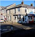 ST2996 : Bibey & Blake on a Pontnewydd corner, Cwmbran by Jaggery