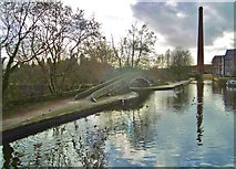 SJ9398 : Ashton-under-Lyne, canal junction by Mike Faherty