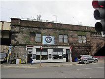 NS4864 : The Patter Bar, Old Sneddon Street by Richard Dorrell