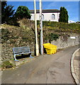 SO0901 : Metal bench at a bend in High Street, Bedlinog by Jaggery