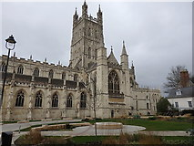 SO8318 : Gloucester Cathedral and Cathedral Close by Rudi Winter