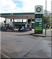 ST3091 : April 4th 2019 BP fuel prices, Malpas Road, Newport by Jaggery