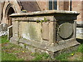 SP2490 : 'Croxall' chest tomb in St Cuthbert's churchyard by Richard Law