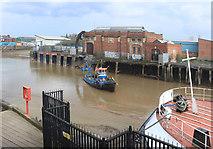 TA1028 : Dredging the River Hull by Des Blenkinsopp