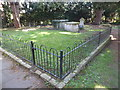 TQ1066 : St Mary, Walton-on-Thames: churchyard (I) by Basher Eyre
