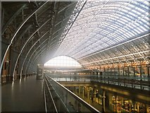 TQ3083 : St Pancras roof by Ibn Musa