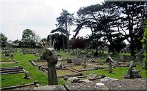 ST3049 : Northwest side of Burnham-on-Sea Cemetery by Jaggery