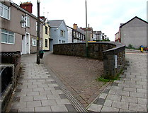 ST1599 : Curved stone wall, Gilfach Street, Bargoed by Jaggery
