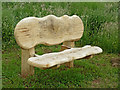 SO9163 : Carved bench seat east of Droitwich Spa in Worcestershire by Roger  Kidd