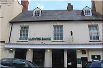 SP6948 : Lloyds Bank on Watling Street, Towcester by David Howard