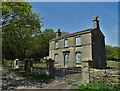 SE1211 : Disused farmhouse on Hassocks Lane by Neil Theasby