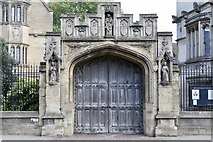 SP5206 : Gate to Magdalen College by Andrew Abbott