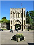TL8564 : Abbey Gate and Gatehouse, Bury St Edmunds by G Laird