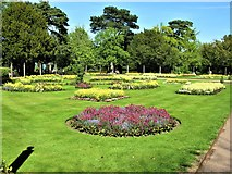 TL8564 : Abbey Gardens, Bury St Edmunds by G Laird