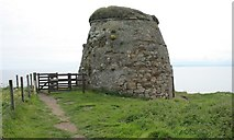 NO5101 : Newark Castle Dovecot by Richard Sutcliffe