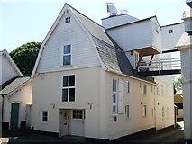 TL5646 : Linton buildings [4] by Michael Dibb