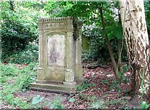 TG2408 : The monument of the Nash Family by Evelyn Simak