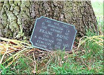 TG2408 : Plaque commemorating Frank Payne by Evelyn Simak
