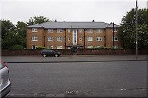 SJ3787 : Fleming House on Aigburth Road, Liverpool by Ian S
