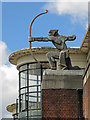 """TQ2789 : The """"Archer"""" sculpture at East Finchley tube station by Mike Quinn"""