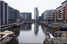 SE3032 : Leeds Dock, Leeds by Ian S