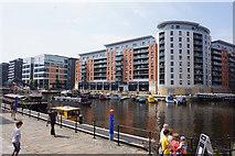 SE3032 : Apartments overlooking Leeds Dock, Leeds by Ian S