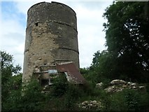 SO9700 : Coates round house, south side, Thames and Severn Canal by Christine Johnstone