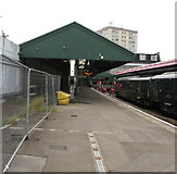 SS6593 : Short canopy over platform 4, Swansea railway station by Jaggery