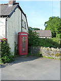 SJ1532 : K6 call box in Llanarmon DC by Richard Law