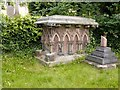 SK5641 : Chest tomb, Rock or Church Cemetery, Nottingham by Alan Murray-Rust
