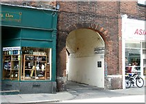 TG2309 : Passage off Magdalen Street by Evelyn Simak