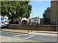 SK5461 : Churchyard wall and railings, Church of St Peter and St Paul, Mansfield by Alan Murray-Rust
