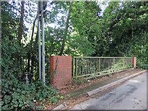 TQ0493 : Drayton Ford Bridge on Springwell Lane by Mike Quinn