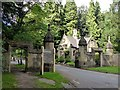SK5554 : Newstead Abbey gates, Ravenshead by Alan Murray-Rust