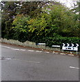 SS9868 : Caravan and camping site direction and distance sign, Boverton Road, Boverton by Jaggery