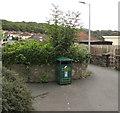 ST3090 : Green litter bin, Graig Park Avenue, Malpas, Newport by Jaggery