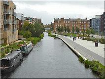 NT2472 : Union Canal between Viewforth Bridge and Walker Bridge by Robin Webster