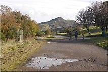NT2674 : Hume Walk, Calton Hill by Richard Webb