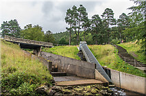 NU0702 : Archimedes screw, Tumbleton Lake by Ian Capper