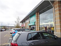 SO9198 : St Johns Shops by Gordon Griffiths