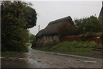 SU2584 : Thatched cottage in Idstone by David Howard