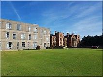 SE6250 : Derwent B block and Heslington Hall by DS Pugh