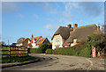 SU3287 : House on the bend, Kingston Lisle by Des Blenkinsopp