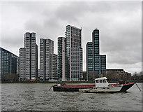 TQ3078 : Development, Albert Embankment (4) by Stephen Richards