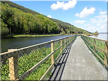 J1021 : View NNW along the Newry Greenway by Eric Jones
